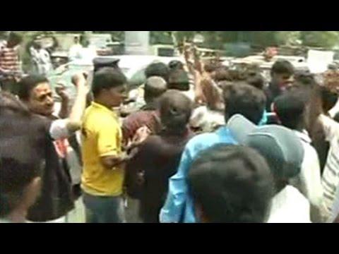 Fans protest as shows of Kamal Haasan's 'Uttama Villain' cancelled