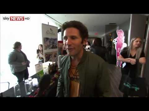 Inside The Gifting Suite With Actor Mark Feuerstein
