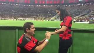 Momento mágico na vida que ficamos noivos em pleno Maracanã.
