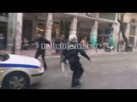 Πλειστηριασμοί: Πέντε τραυματίες σε επεισόδια έξω από γραφείο στην Θεμιστοκλέους