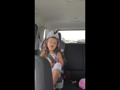 Little girl sings Blake Shelton's 'Lonely Tonight'