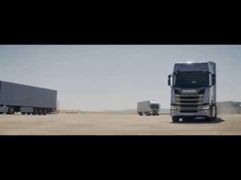 Ora e ndërtuar nga kamionët (Video)