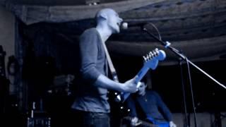Video Maenia - C´est la vie (live garage version)