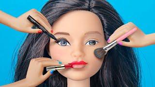 Video 9 Weird Ways To Sneak Barbie Dolls Into Class / Clever Barbie Life Hacks MP3, 3GP, MP4, WEBM, AVI, FLV Maret 2019