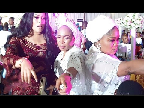 See The Gigantic Cake As Fathia Balogun Ushers In Adunni Ade Into Abimbola & Okiki Wedding Ceremony