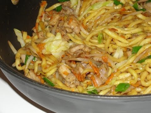 Japanese Recipe: How to Make a Homemade Chicken Yakisoba