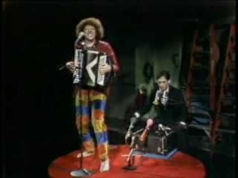 """Weird Al"" Yankovic – Another One Rides the Bus"