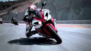 7. Ben Spies pilotando la Yamaha YZF R1 2012 [HD]