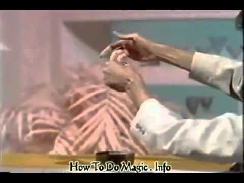 Kinh dị với nhà ảo thuật các ngón tay