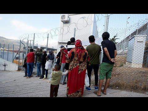 Griechenland: Regen setzt Flüchtlingslager Lesbos unt ...