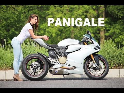 Why the Panigale is the Best Super Bike Ever Made (видео)