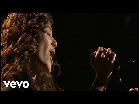 Tekst piosenki Emmy Rossum - Falling po polsku