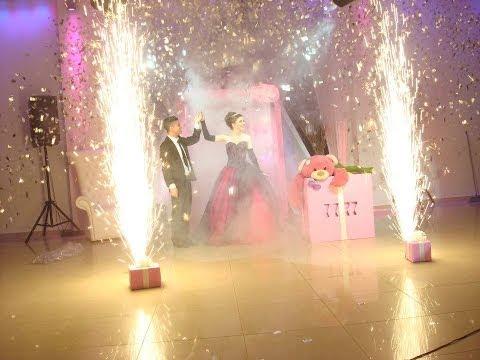 ENTRADA 15 AÑOS - http://www.aparicionesmagicas.com. Una bella puesta en escena para homenajeadas soñadoras. Esta performance está basada en la legendaria muñeca Barbie. Todo ...