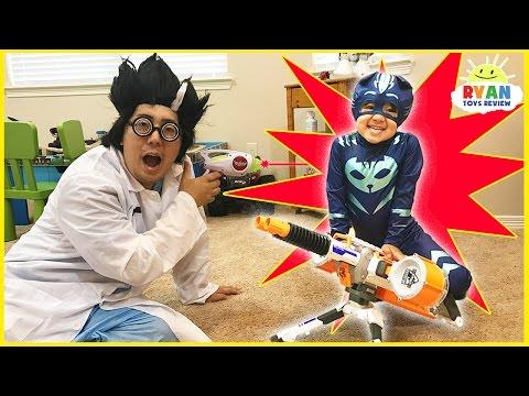 PJ MASKS IRL SUPERHEROES Catboy and Spiderman Surprise Eggs stolen by Romeo and Night Ninja (видео)