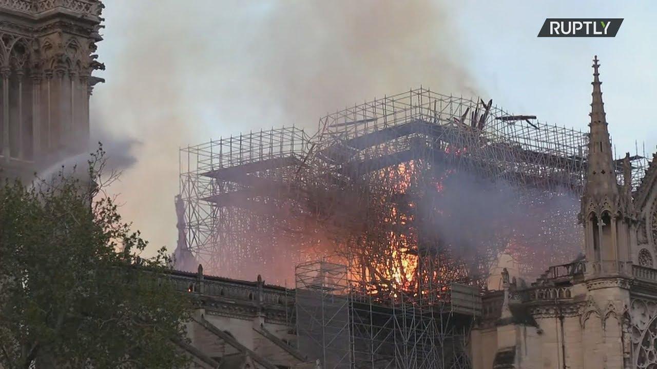 Κατέρρευσε λόγω της πυρκαγιάς η στέγη της Παναγίας των Παρισίων
