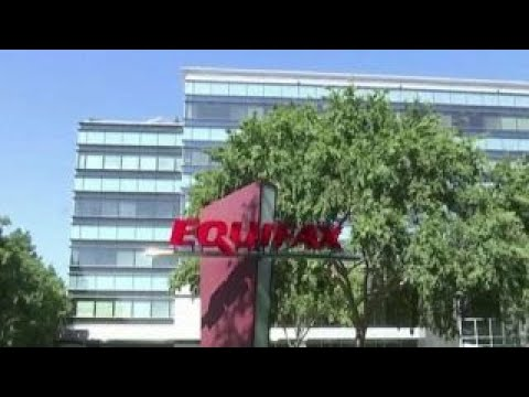 Equifax troubles mounting over data breach (видео)