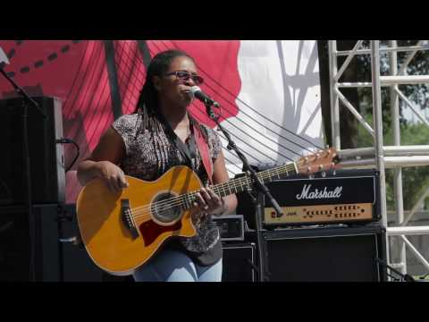 Ruthie Foster -