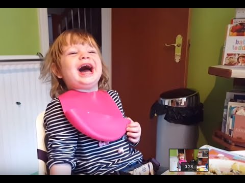 Little Girl Thinks Her Daddy's Joke Is HILARIOUS!