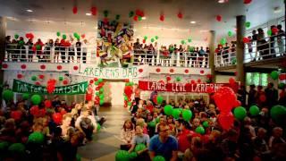 I anledning af Lærerens Dag 2011 fik en intetanende lærer sig noget af en overraskelse. Se flash mob fra Danmarks...