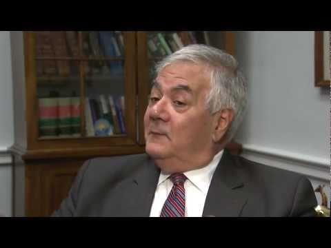 gretchen morgenson - Rep. Barney Frank, D-Mass., responds to some of the allegations made against him by Gretchen Morgenson and Joshua Rosner in their new book about the financia...