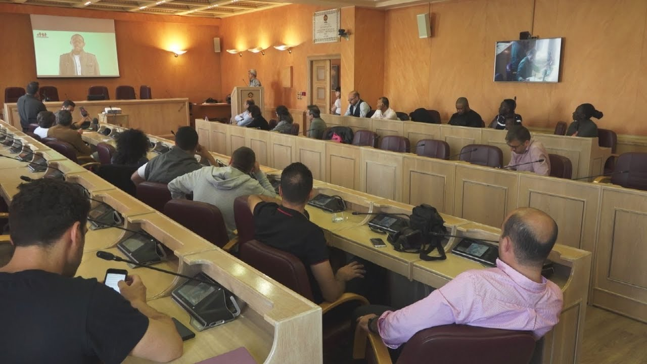 Συζήτηση για την ένταξη μεταναστών στο δήμαρχείο Αθηνών