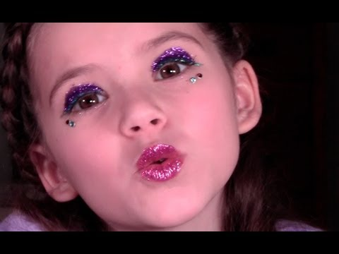 , title : 'New Years Party Makeup for Kids and Teens by Emma'
