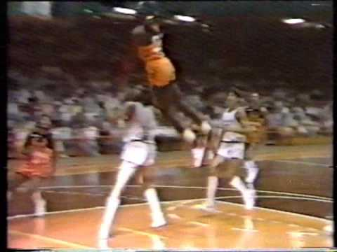 0 Michael Jordan Shatters the Backboard   Italy 1986