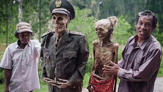 Video Misteri Mayat yang Berjalan Sendiri Di Toraja, Ada yang Pernah Lihat? MP3, 3GP, MP4, WEBM, AVI, FLV April 2019