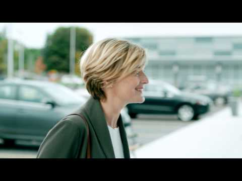 Anna Bertram looking so fresh and happy in this new commercial!