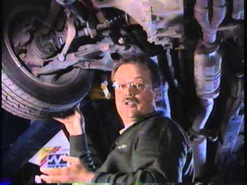Pierre Desmarchais explique le joint de cardan sur une automobile