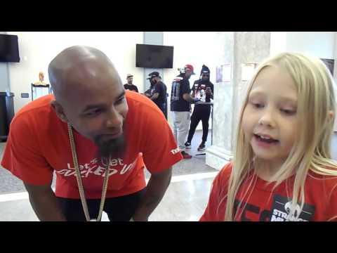 Little girl raps Dysfunctional with Tech N9ne