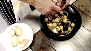 Stephen Terry from The Hardwick demonstrates scallops with girolles