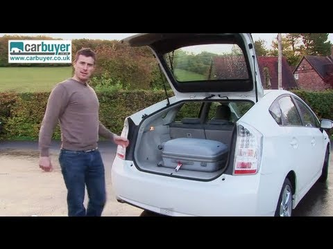 Toyota Prius hatchback review – CarBuyer