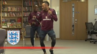 Redmond (OR) United States  City pictures : Hilarious outtakes from Saido Berahino & Nathan Redmond | Roommates
