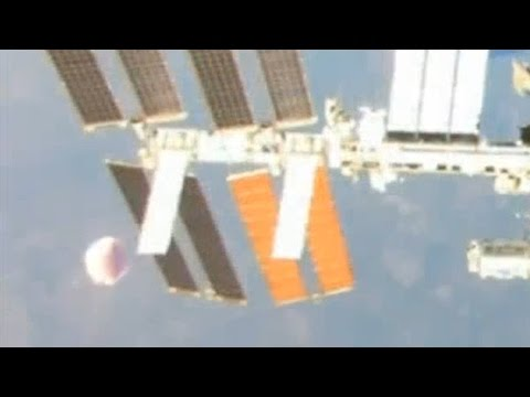 UFO Sighting Breaking News! Huge Flying Saucer Visits ISS Emergency Evacuation 1/14/2015