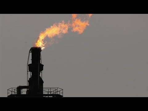 oil - Sept. 22 (Bloomberg) -- Carl Larry, president at Oil Outlook & Opinions, talks with Olivia Sterns about the heirs of John D. Rockefeller divesting their vast oil fortune from the family's...
