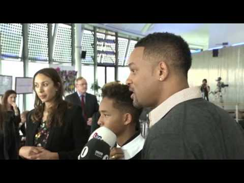 Smith - Will Smith and his son Jaden surprise school children in London at a leadership event organized by Mayor Boris Johnson. Will Smith also mentioned the death o...