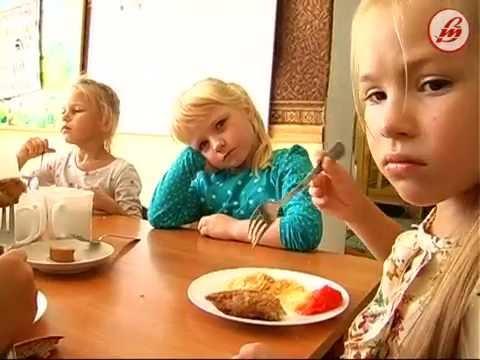 «Дитячий світ»: правила поведінки за столом