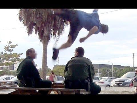 Mutig, mutig, der Sprung über 2 Polizisten