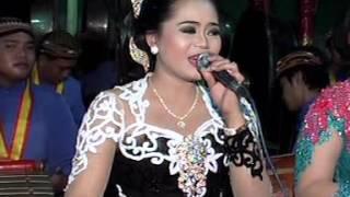 Gondal Gandul Voc. Rini & Ms. Embek - Mudho Laras Live Kanten Video