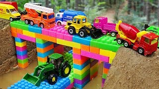 Video Bridge Construction Vehicles, Dump Trucks Blocks Toys MP3, 3GP, MP4, WEBM, AVI, FLV Juni 2019