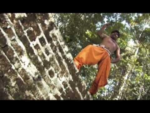 Video Muni Tharisanam (PG)  - Mannia Kakkum Kottai Muni download in MP3, 3GP, MP4, WEBM, AVI, FLV January 2017