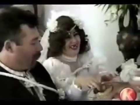 sposa perde la dentiera durante il suo matrimonio!