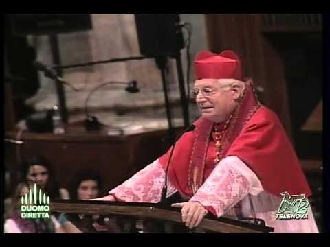 """symboli - Cinquecentosessanta 19enni, nella """"Redditio Symboli"""" celebrata in Duomo, hanno consegnato nelle mani dell'Arcivescovo, la """"Regola di vita"""". «Siate sempre uni..."""