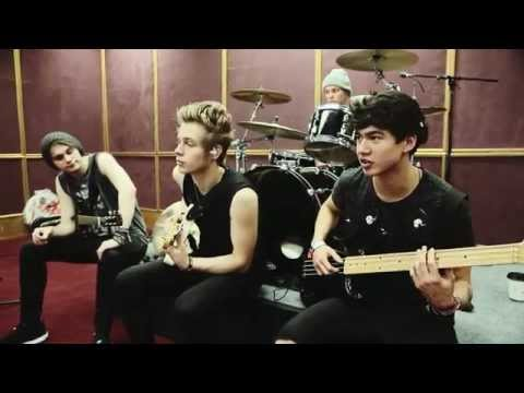 5 Seconds Of Summer – Billboard Music Awards 2014 (Part 1)