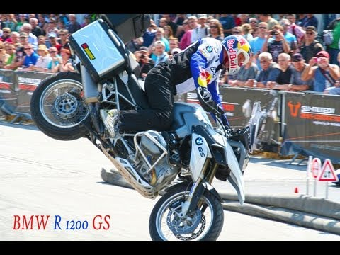 bmw r1200 gs - acrobazie incredibili