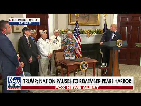 WWII veteran sings a song about Pearl Harbor during the White House event