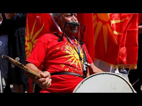 Madezonien: Hoffnungen und Widerstand nach Abkommen z ...