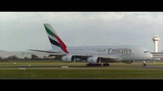 Emirates Airbus A380 Emergency - Perth Airport (HD)