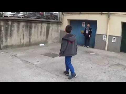 Bambini divertenti Partita di calcio - Italian Family - Vlogs
